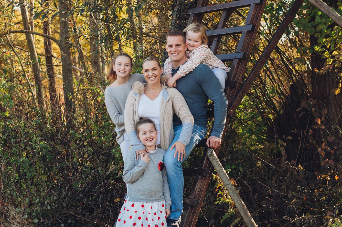 Familienfotos beim Fotoshooting mit Geschister aus Mainz und Frankfurt