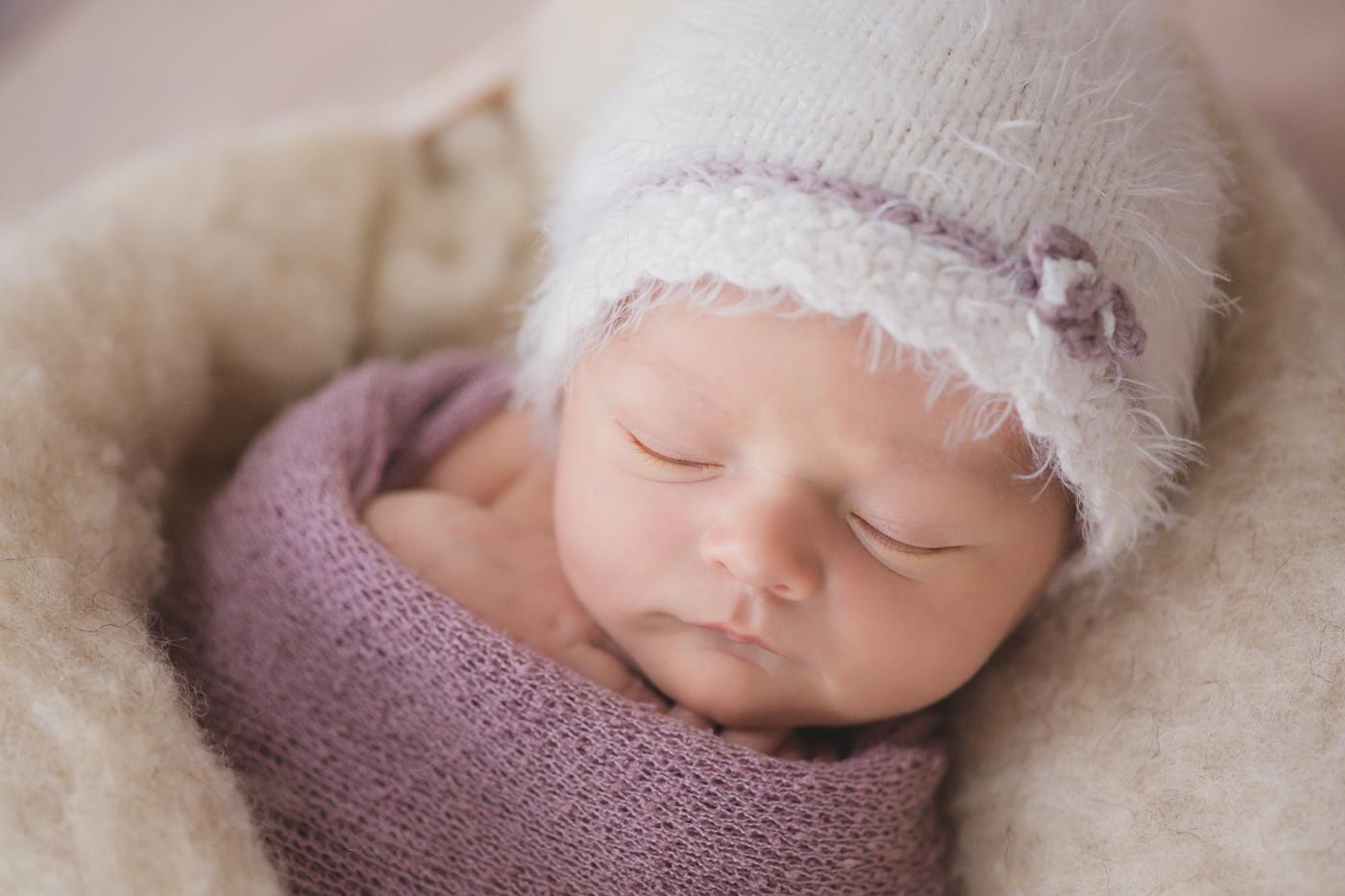 Babyfotos beim Fotoshooting mit neugeborenem Baby aus Mainz und Frankfurt